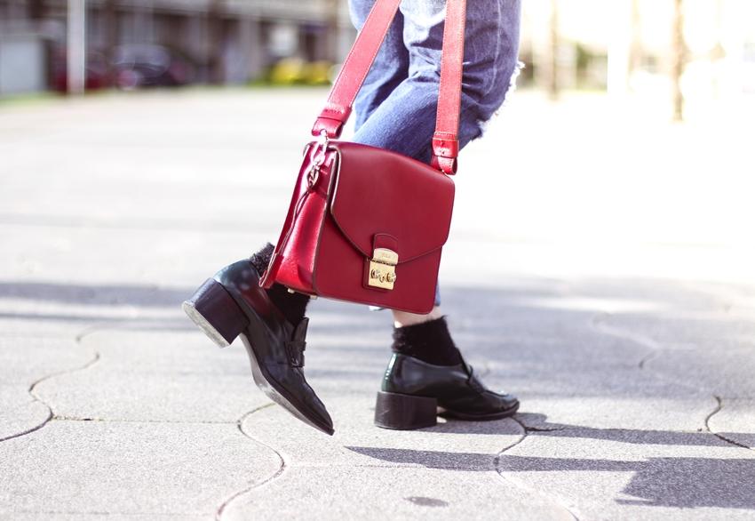 mocasines-con-calcetines-bolso-rojo-furla-streetstyle-myblueberrynightsblog