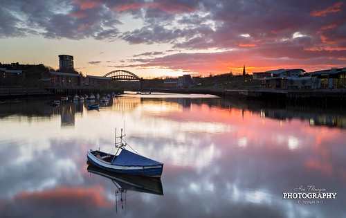 pink sunset england canon river landscape photography boat sundown wear 5d pastures lowtide fullframe fishingboat northeast sunderland 24105 wearmouthbridge ef24105 leefilters 5dmk3 5dmk111 ianflanagan