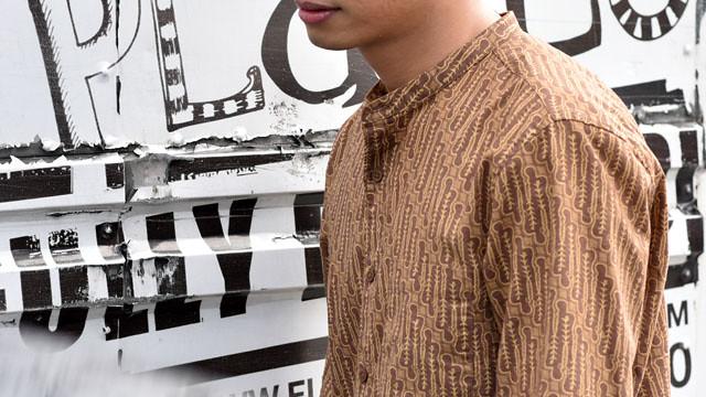 Uniqlo Batik Motif Duane Bacon Mens Wear Blogger Pullover