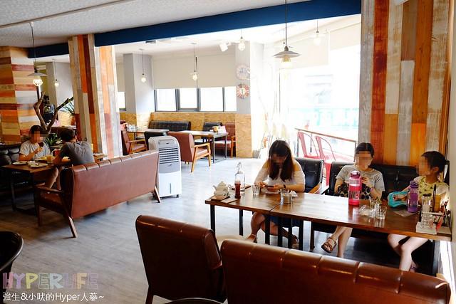 下午茶,台中,咖啡廳,好停車,好吃,推薦,早午餐,筆堆,筆堆美式餐廳,美式,義式,聚餐,複合式餐廳,西式甜點,雜貨,餐廳,鬆餅,麵包 @強生與小吠的Hyper人蔘~