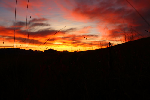 sun sunrise southafrica kwazulunatal drakensberg mountainsunrise drakensbergmountain sunriseinthedrakensburg