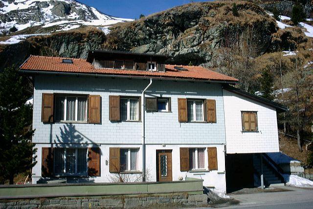 2002 Bivio