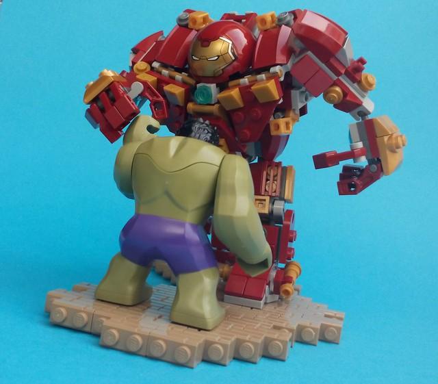 LEGO Avengers Age Of Ultron - Hulk Vs Hulkbuster