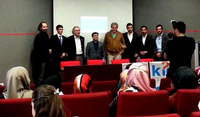 Rektör Tarhan Bosnalı öğrencilerle buluştu.