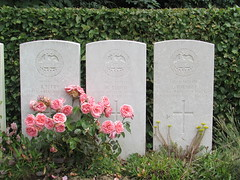 Miraumont: Miraumont Communal Cemetery (Somme)