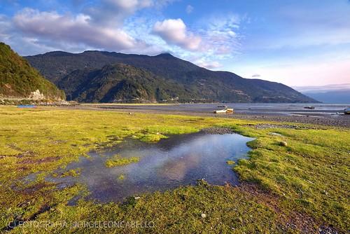 chile sky patagonia mountains clouds reflections landscape paisaje cielo nubes reflejos montañas fiordo fijord cochamo estuarioreloncavi