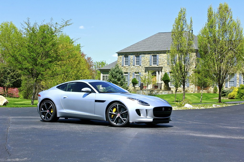 2015 Jaguar F-Type R: Sunday Drive