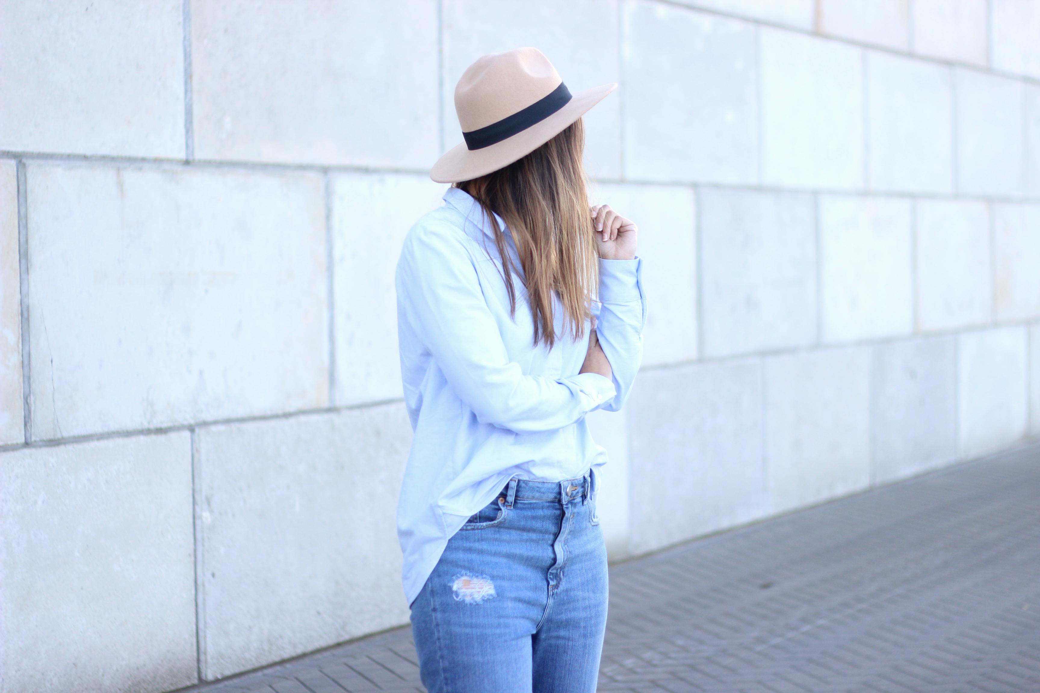 Hat-fedora-creme-black-blue-light-colors-long-sleeve-shirt