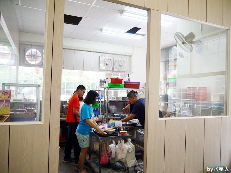 28344946852 46f2b1b5ff b - 台中西屯| 福林鵝肉,工業區新開店,無骨鵝肉鮮美多汁,軟綿入味的豬腳便當!