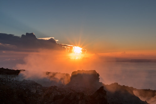 contrejour backlight sigma1750mmf28 ladesirade fumerolles cratère france antilles caraïbes caribbean guadeloupe volcan soufrière basseterre sunrise iles