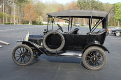 ford model a(0.0), carriage(0.0), automobile(1.0), wheel(1.0), vehicle(1.0), ford model tt(1.0), touring car(1.0), antique car(1.0), classic car(1.0), vintage car(1.0), land vehicle(1.0), luxury vehicle(1.0), ford model t(1.0), motor vehicle(1.0),