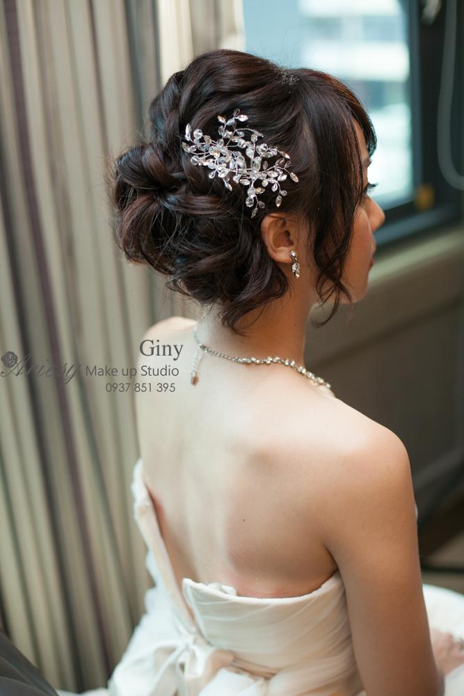 Giny,愛瑞思造型團隊,台中新娘秘書,新娘秘書,清透妝感,蓬鬆盤髮,友山尊爵,韓風手工飾品,鮮花造型,編髮