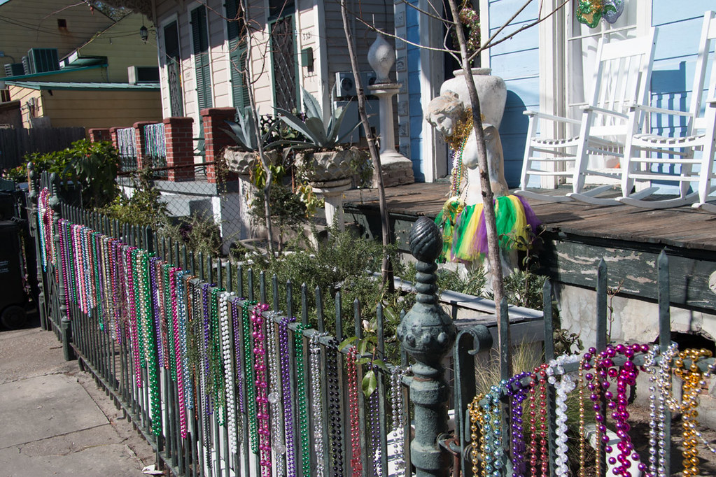 Magazine District Homes decorated for New Orleans