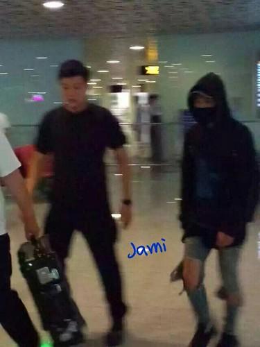 more BIGBANG arrival Shenzhen 2015-08-07 (18)