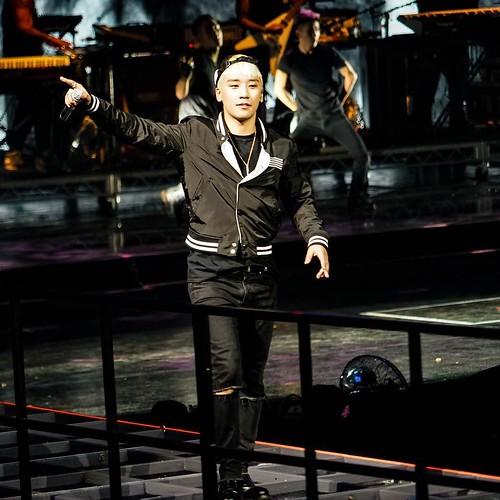 Big Bang - Made Tour 2015 - Sydney - 17oct2015 - breakkker - 05