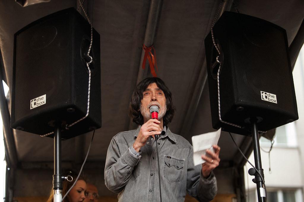 Tiltakozás a szakmegszüntetések és az egyetemi autonómia csökkentése ellen