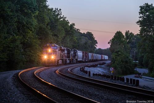trains railroad ns up unionpacific sunset bluehour waverly piketon ohio