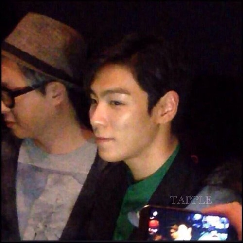 TOP-stagegreeting-premiere-HongKong-20140927_(6)