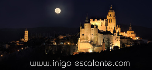 Segovia´s Alcazar and Cathedral under full moon