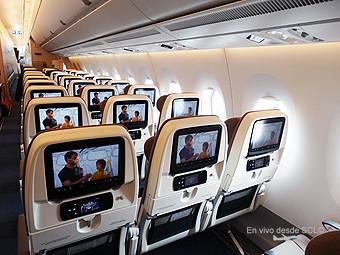 A350-900 economy class (RD)