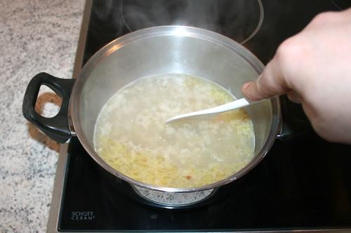 23 - Aufkochen & Sauce reduzieren lassen / Bring to a boil & let sauce reduce