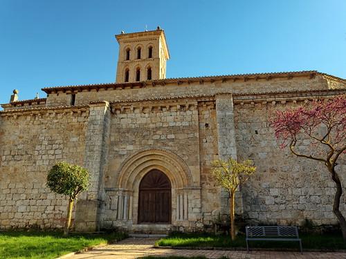 Arcos de la Llana (Burgos). Iglesia de San Miguel Arcángel