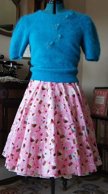50's novelty print cupcake skirt