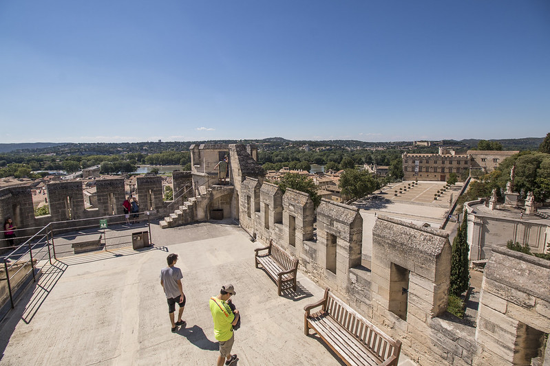 Provence cyling Avignon Pope Palace view
