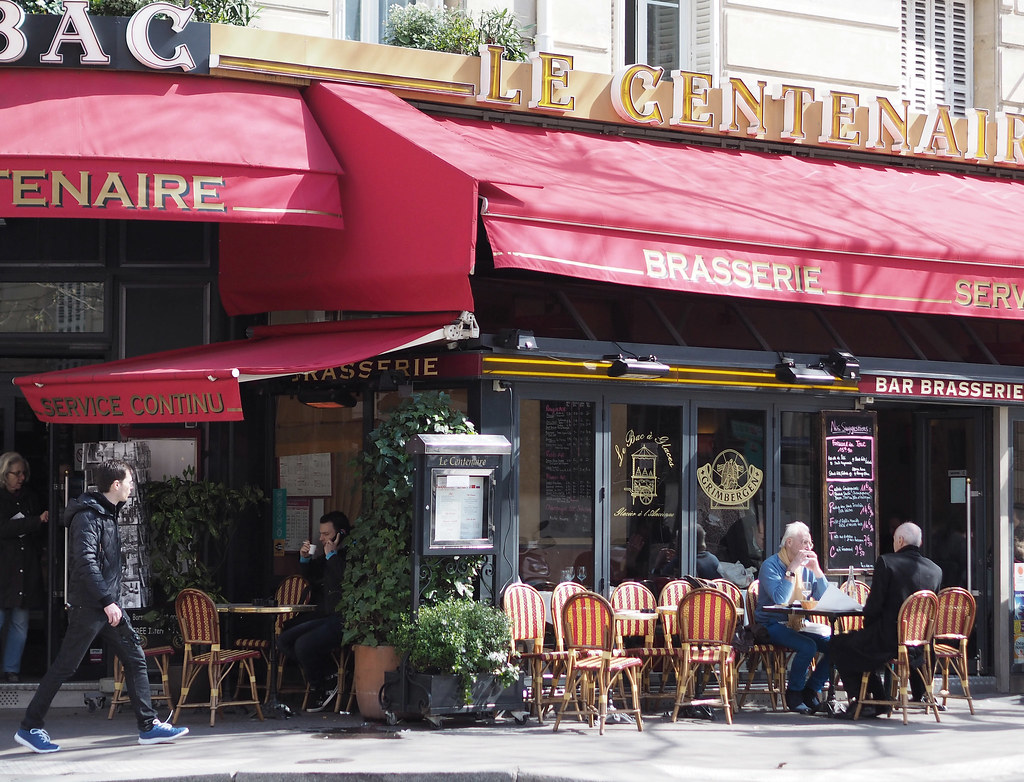 paris-cafe scene