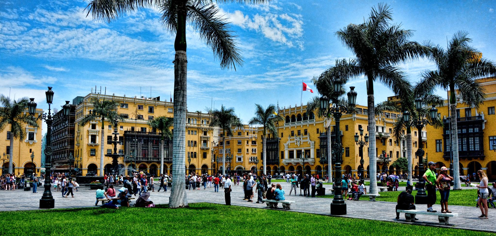 Mini Guía Para Conocer Lima En 3 Días -Plaza De Armas