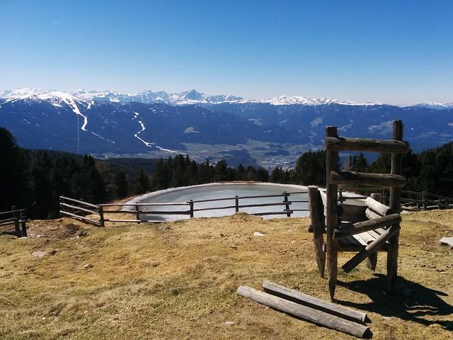 Ausblickspunkt auf das Kronplatzgebiet, nur noch wenige Meter bis zur Geige