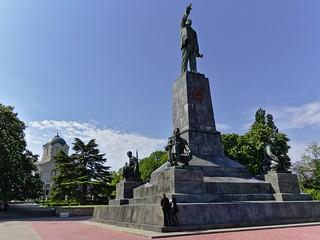 Εικόνα από Lenin monument. lenin monument statue russia crimea