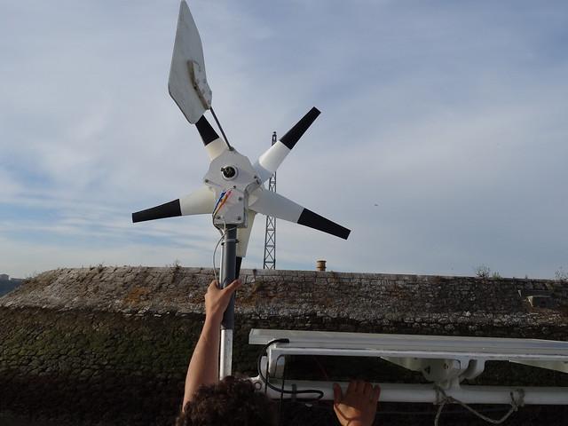 Mise en place de la nouvelle éolienne