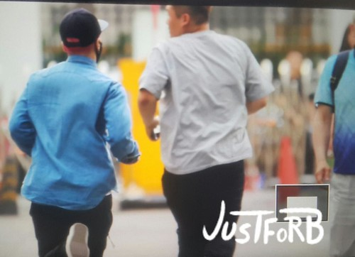 BIGBANG KBS Sketchbook - leaving after rehearsals 2015-06-02 002