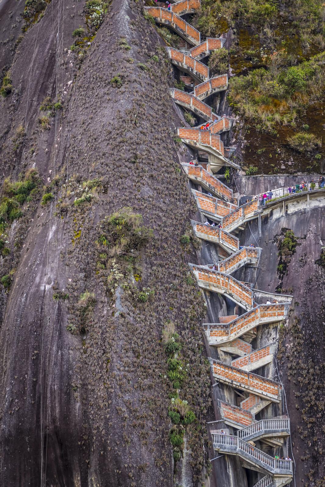 La Piedra Del Peñol escaleras