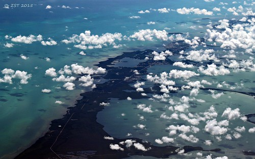 island florida flight aerialview lagoon aerial floridakeys keylargo unitedairlines windowseat barrierislands blackwatersound largosound zeesstof houstontopuertorico