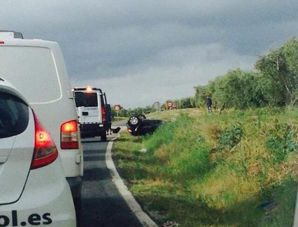 AionSur: Noticias de Sevilla, sus Comarcas y Andalucía 16974333769_7856157fd1_o_d Nuevo accidente de tráfico sin heridos en la carretera Morón Arahal Sucesos