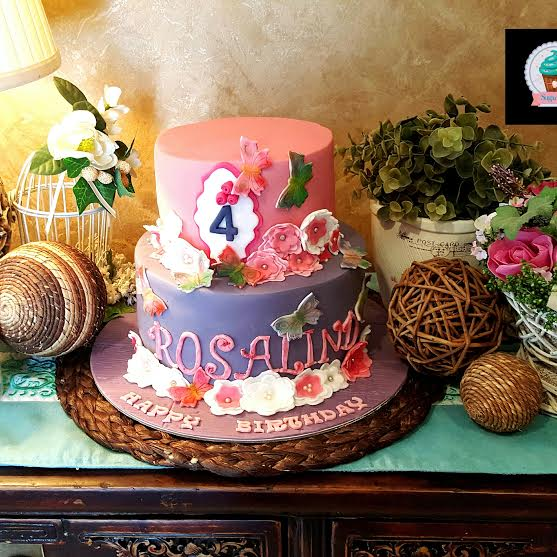 Cake by Muneeza Khan of Sugar Dust