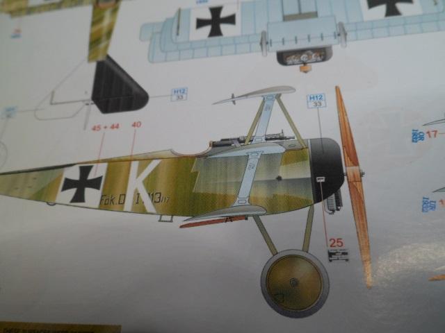 Ouvre-boîte Fokker DR.I  [Eduard 1/72] 17030812827_0f09340da1_o