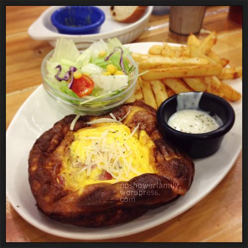 Dundas-St.-Mini_Bacon,Mushroom Omelette Brunch