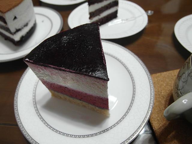 藍莓慕斯,上面是吉利丁做的像薄果凍一樣口感的藍莓果醬層@三丁目洋果子