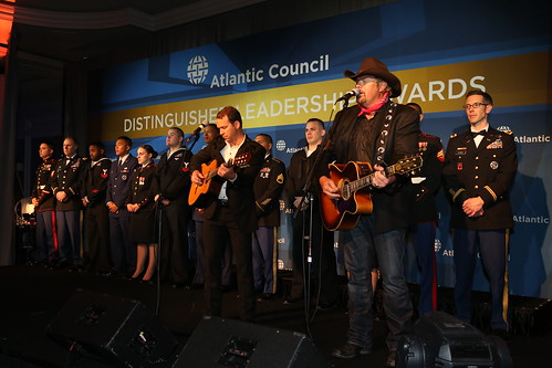 Toby Keith was joined on stage by twelve active duty US service members.