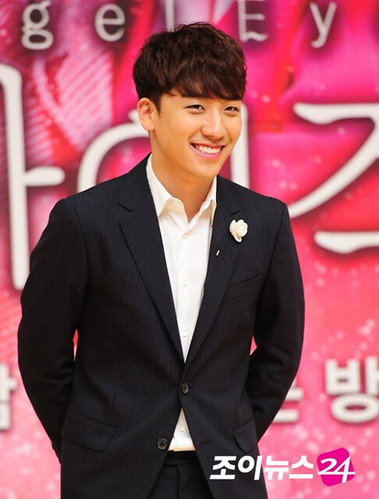 1398236410335_seungri_angel_eyes_140403_022.jpg