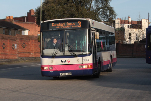 First Hampshire and Dorset 66164 W364EOW Volvo B10 / Wright