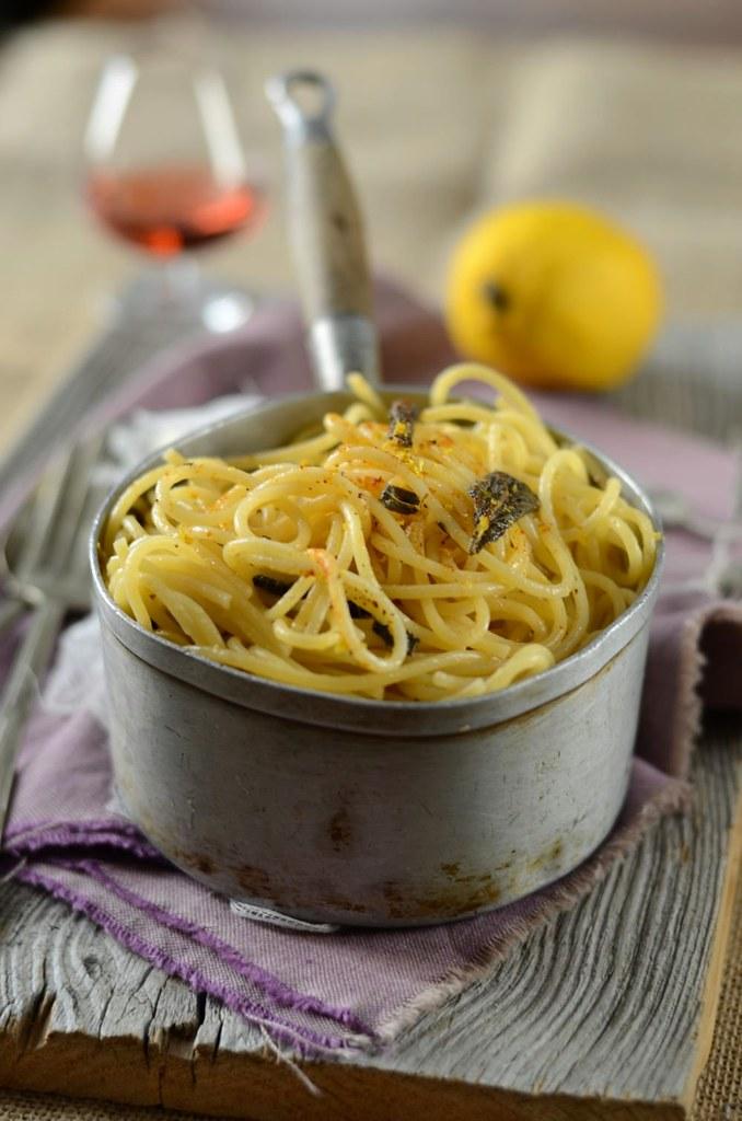 Spaghetti au beurre de sauge