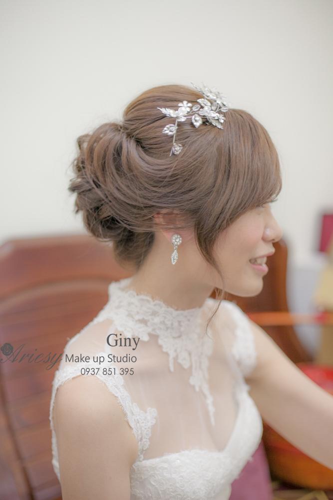 Giny,愛瑞思造型團隊,台南新娘秘書,新娘秘書,清透妝感,蓬鬆盤髮,歐美手工飾品,旗袍造型,編髮,鮮花造型