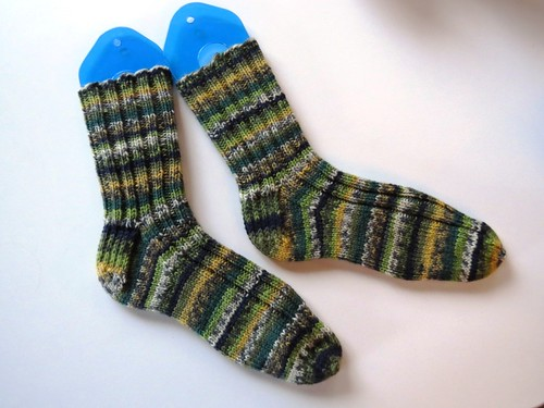 http://thingsimakeplusrocks.blogspot.ca/2015/04/oh-look-pair-of-socks.html