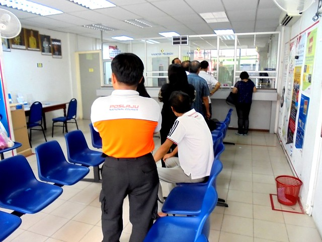 Queue at Rejang Park post office