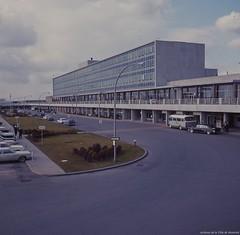 Aéroport de Dorval. - Juin 1964. VM94-Ad001-005. Archives de la Ville de Montréal.