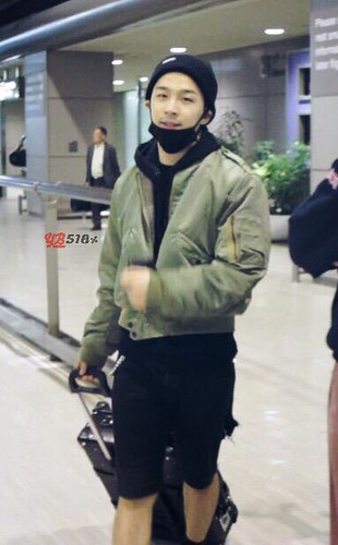 Tae Yang - Japan Airport - 29mar2015 - YB 518 - 01